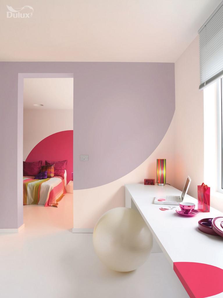 Những vật trang trí có màu sắc nổi bật sẽ tạo nên điểm nhấn ấn tượng cho mọi không gian