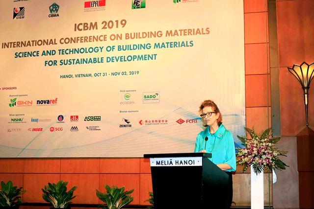 Trưởng đại diện UNDP tại Việt Nam Caitlin Wiesen phát biểu tại Hội thảo
