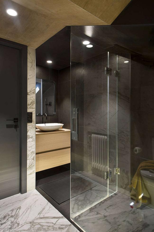 Nhà vệ sinh phân chia riêng đẹp như khách sạn 5 sao