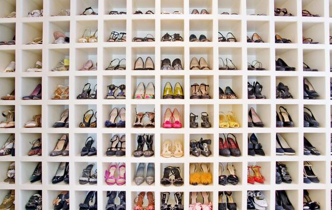 Nếu bạn có một bộ sưu tập giày lớn, bạn cũng có thể tìm thấy một cách lưu trữ chúng thích hợp theo cách này.