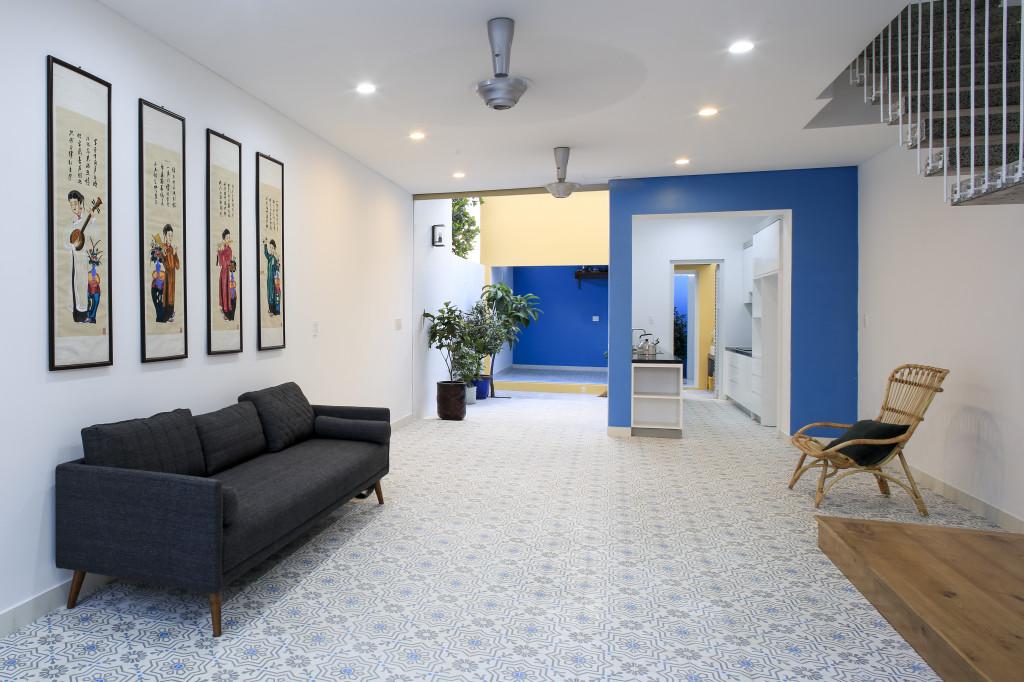 HC House sử dụng các màu sơn sống động mang đến không gian tươi sáng cho gia đình