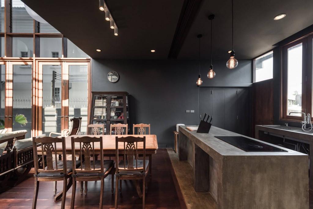 Khu vực nhà bếp và bàn ăn