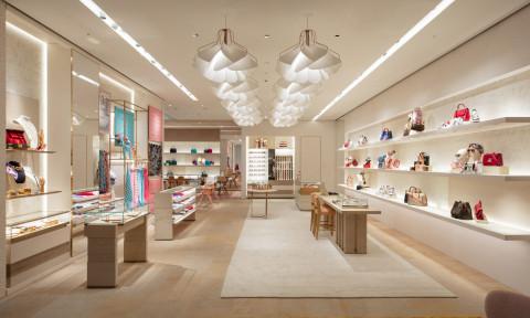 """Frank Gehry đội """"vương miện"""" cho Louis Vuitton Maison Seoul bằng cánh buồm thuỷ tinh"""