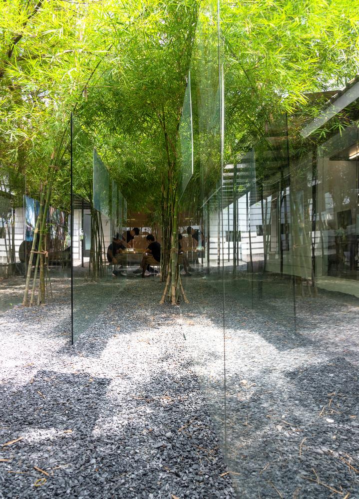 Lam-viec-trong-vuon-tre-tai-MIA-Design-studio-4