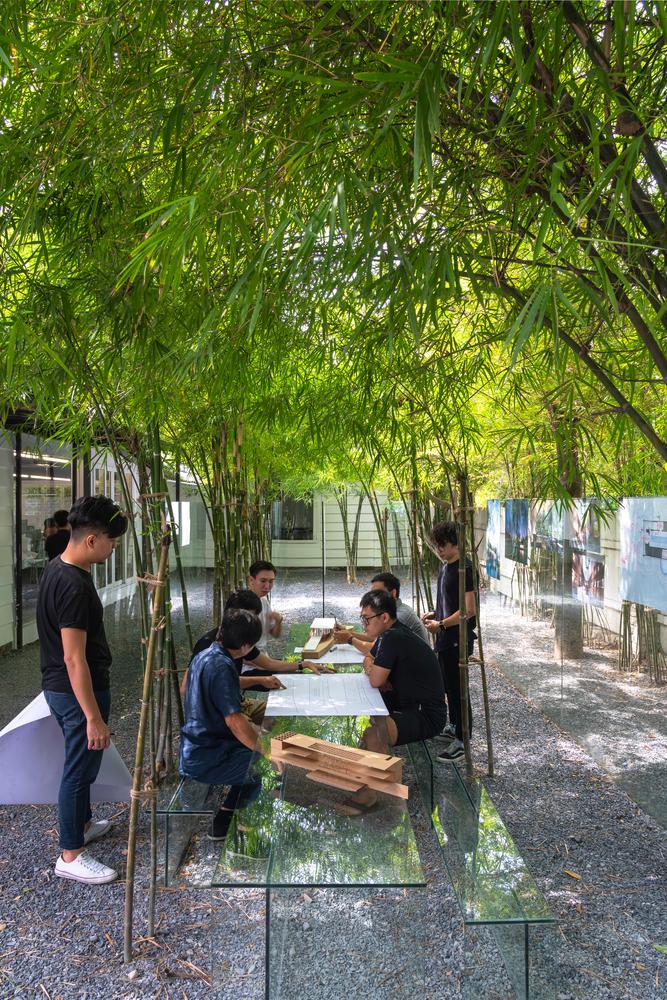 Lam-viec-trong-vuon-tre-tai-MIA-Design-studio-8