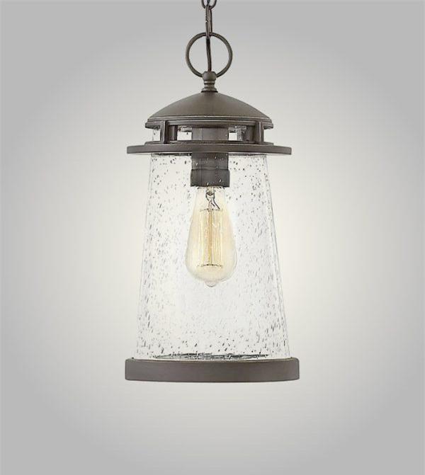 Chiếc đèn biển nay có thể tìm thấy trong phòng ngủ với thiết kế ấn tượng