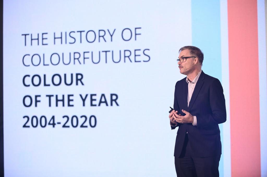 Ông Oscar Wezenbeek trình bày về ColourFutures