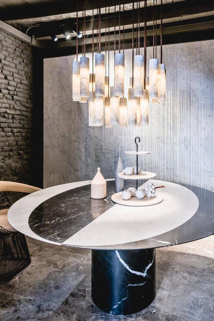 Bàn trà đá cẩm thạch mang đến vẻ đẹp trang nhã và sang trọng cho ngôi nhà bạn
