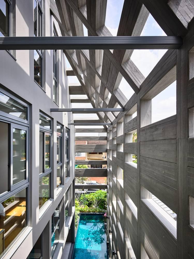 Lớp vỏ bê tông giúp làm giảm ánh nắng gay gắt vả tạo sự riêng tư