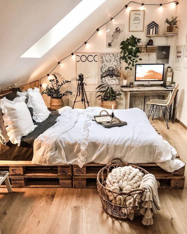 Nếu bạn muốn mang lại sự thoải mái hơn nữa vào phòng ngủ của bạn, một góc đọc sách hoặc một văn phòng nhỏ tại nhà, nơi bạn có thể ngồi với cuốn sách yêu thích và một tách trà hoặc cà phê là giải pháp hoàn hảo. Và tất cả chỉ cần có một chiếc ghế bành ấm cúng như này.