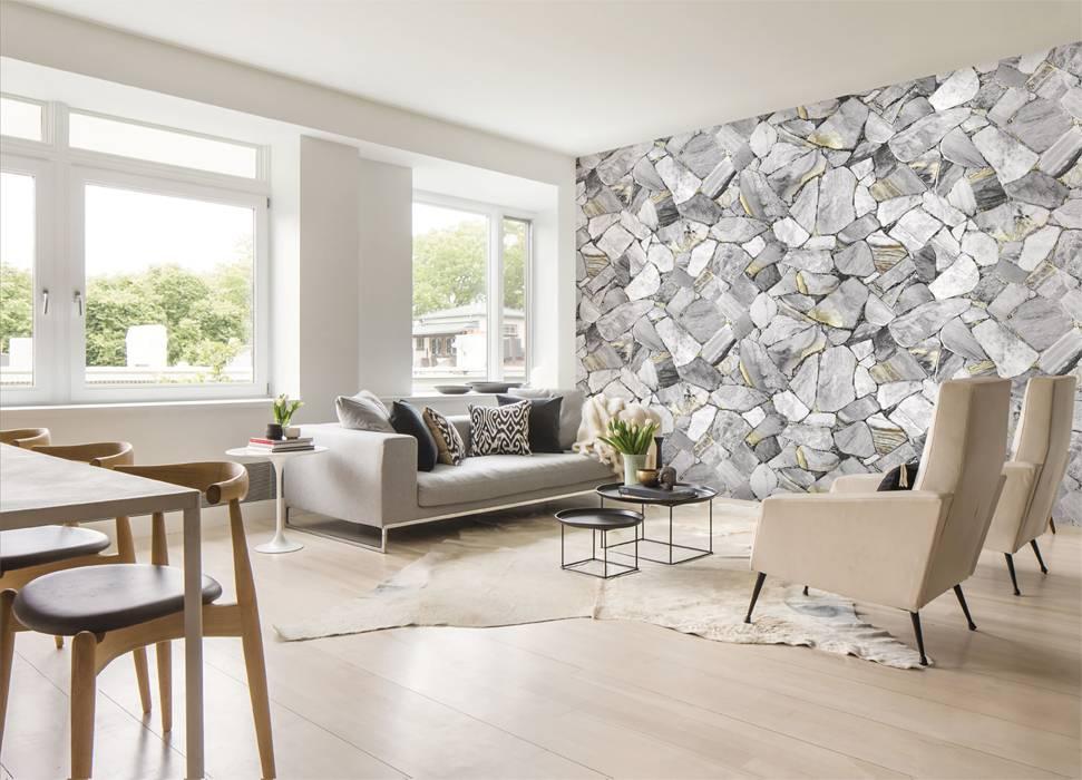 Khi vệ sinh giấy dán tường, sử dụng vải mềm với bề mặt nhẵn, máy hút bụi với bề mặt nhám