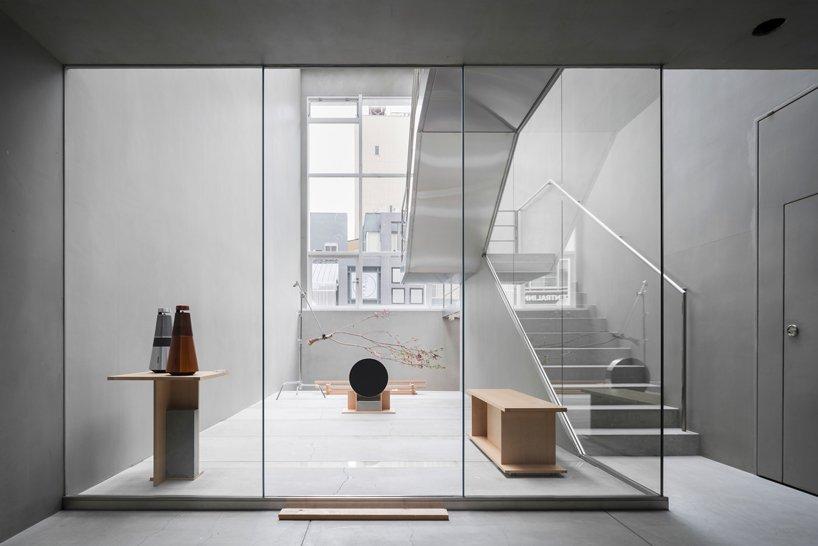 yusuke-seki-bang-and-olufsen-pop-up-store-kyoto-designboom-4