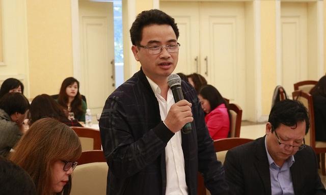 Vụ trưởng Vụ Khoa học công nghệ và môi trường Vũ Ngọc Anh trả lời câu hỏi của báo chí