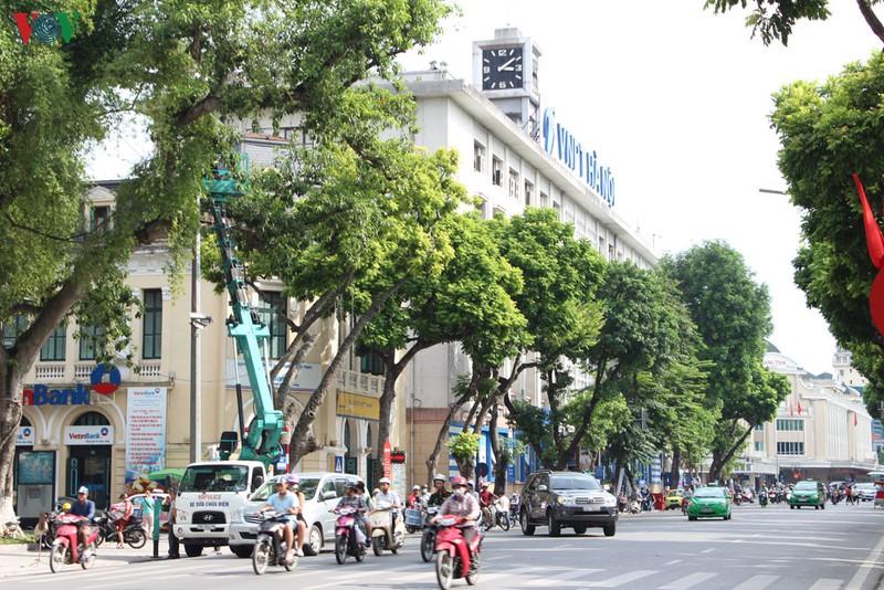 Thí điểm 1 tháng không cho phương tiện giao thông hoạt động khu vực phố đi  bộ Hồ Gươm