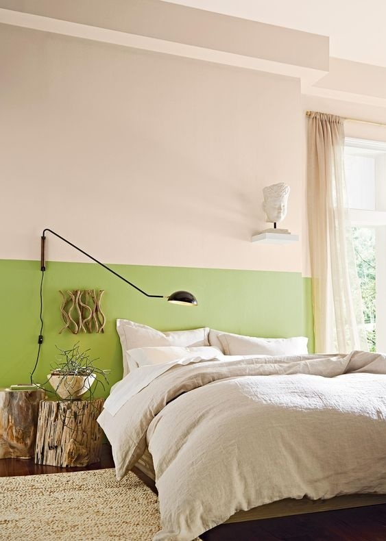 Sơn lại phòng ngủ màu xanh cũng là cách hay để bạn decor lại không gian này khi mùa xuân tới