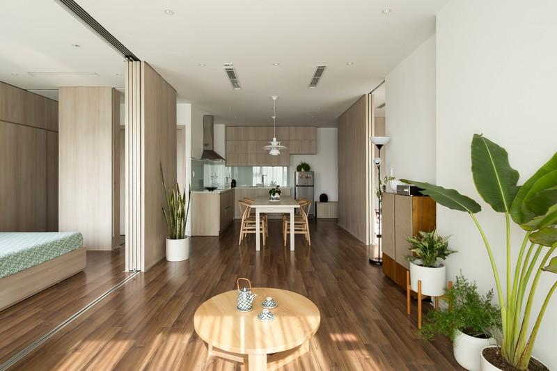 Việc dịch chuyển tạo điều kiện cho gió và ánh sáng có thể tuôn chảy tự do vào mọi ngõ ngách trong căn hộ.