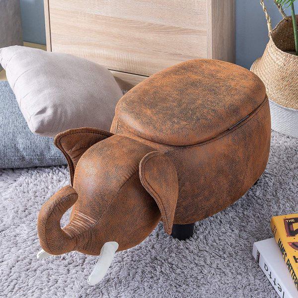 Vỏ bọc bằng da hiện lên trong mẫu ghế kê chân, trông thật ngộ nghĩnh và đáng yêu