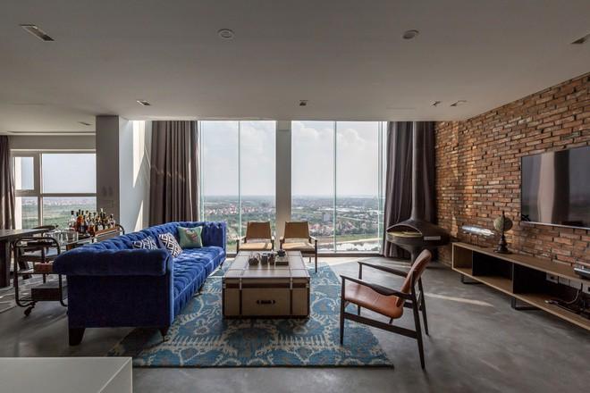 Penthouse là loại căn hộ trên tầng cao nhất của một tòa nhà. Chủ sở hữu thường là những người có thu nhập cao. Vì những lý do trên, các căn hộ penthouse thường được đầu tư kỹ lưỡng về nội thất và không gian sử dụng.