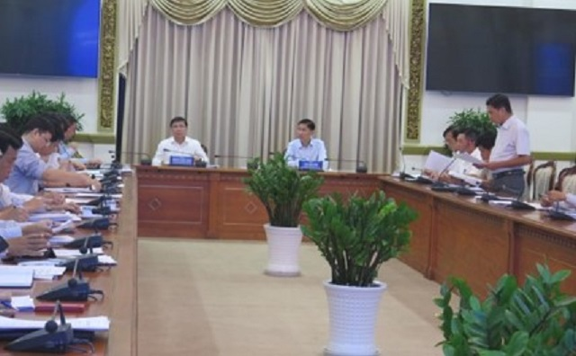 Chủ tịch UBND TP Nguyễn Thành Phong và PCT UBND TP Trần Vĩnh Tuyến chủ trì hội nghị triển khai đề án xây dựng TPHCM trở thành TP thông minh