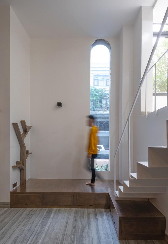 Ngôi nhà 3 tầng thiết kế phục vụ cho sinh hoạt công cộng