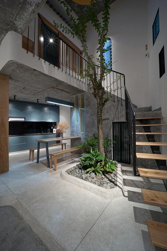 Bên cạnh đó, khi một không gian mở được tạo ra, tất cả các phòng trong ngôi nhà sẽ được kết nối bởi hai sân thượng