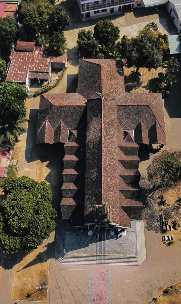 Thiết kế nhà thờ gỗ Kon Tum nhìn từ trên cao.