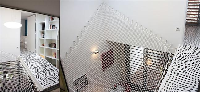 Một cái lưới treo được sử dụng như một cái võng sẽ là khu vực an toàn cho trẻ em vui chơi. Nó cũng đóng vai trò tạo thêm một cái nhìn độc đáo, kết cấu đẹp làm nổi bật không gian nội thất, khiến nó thú vị và hữu ích hơn nhiều.