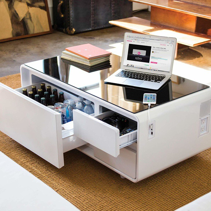 Bàn cà phê thông minh với tủ lạnh và cổng sạc USB, hoàn hảo cho người làm việc trên máy tính