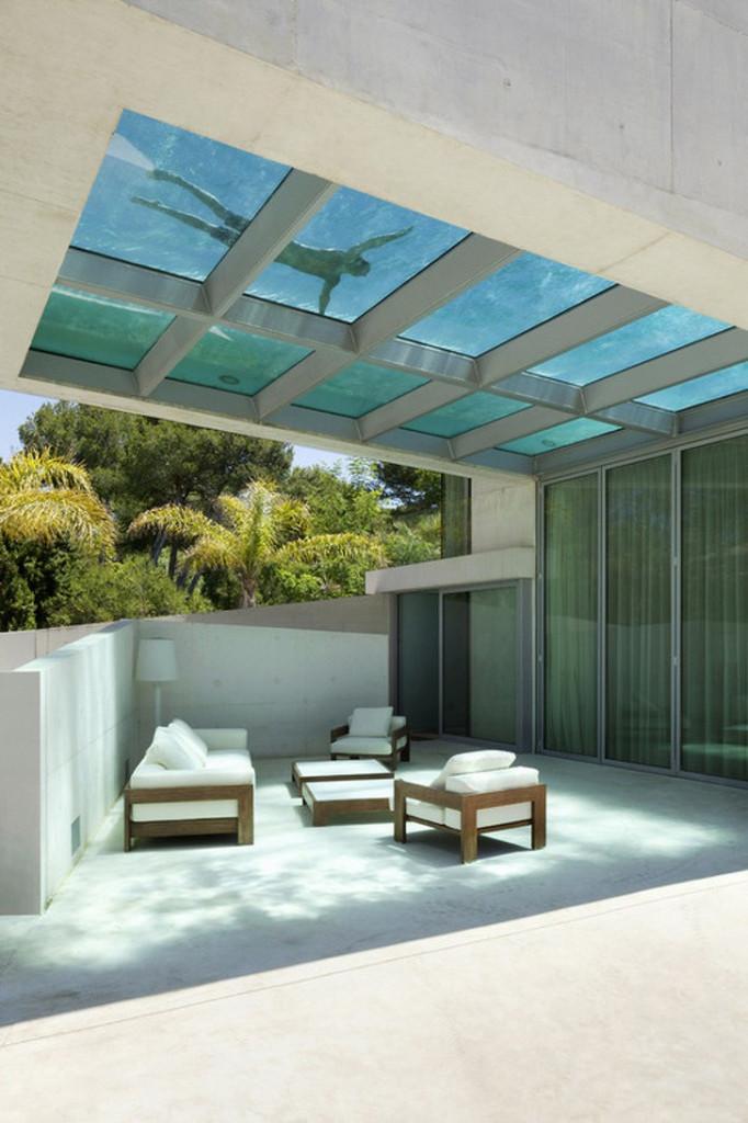 Hồ bơi trên mái nhà là một lựa chọn không tồi