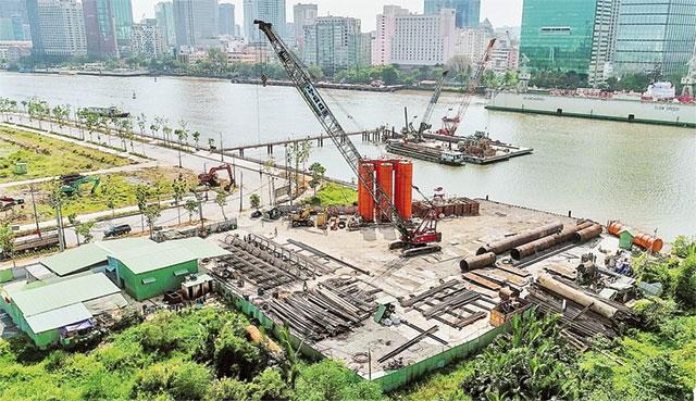 Cầu Thủ Thiêm 2 nối quận 2 với quận 1 đang được khởi công xây dựng, dự kiến hoàn thành cuối năm 2020