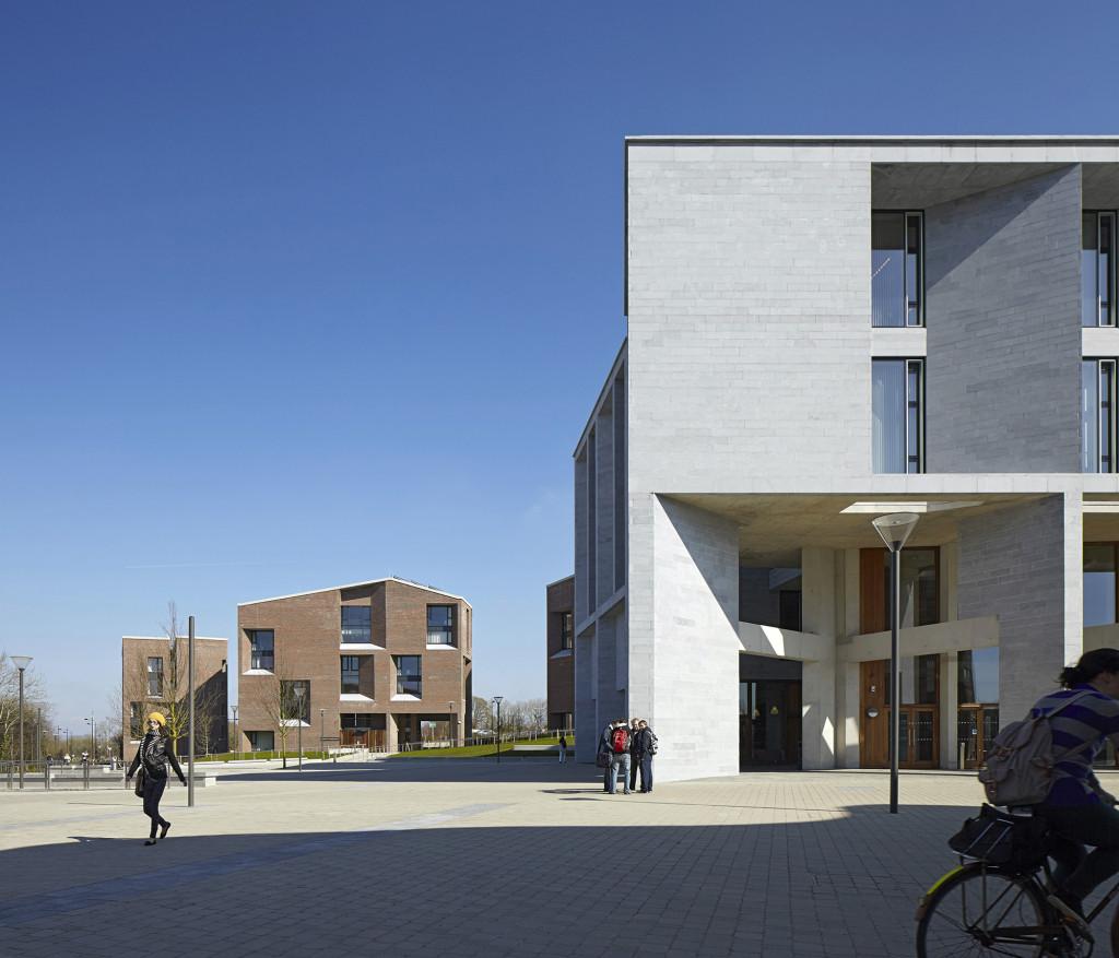 Trường Y, Đại học Limerick (Ảnh chụp bởi Dennis Gilbert)