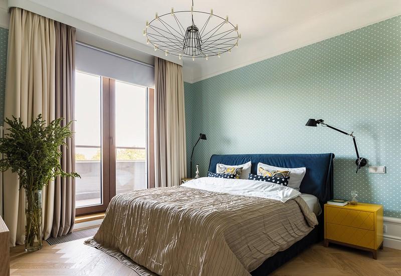 Phòng ngủ trang trí màu xanh dễ chịu, thích hợp với không gian nghỉ ngơi