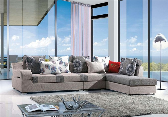 Nên đặt ghê sofa chính dựa lưng vào tường tạo cảm giác vững chãi