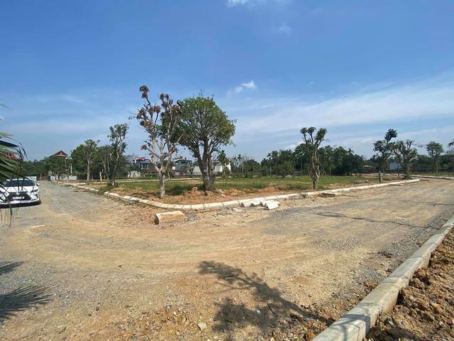 Các khu nhà ở mới được đầu tư hạ tầng đồng bộ, lô đất nền diện tích 80-100m2 (đã có sổ đỏ) hấp dẫn giới đầu tư