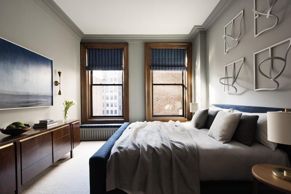 Những gam màu đậm sắc không được khuyến khích để sử dụng bên trong phòng ngủ