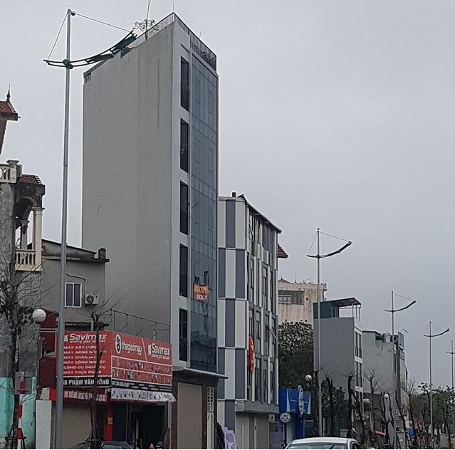 Ngôi nhà hình tam giác trên đường Phạm Văn Đồng. Ảnh: Vũ Cúc