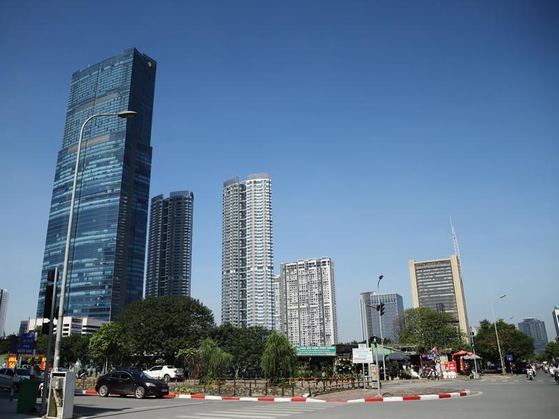 Giá thuê văn phòng hạng A tại Hà Nội và TP.HCM hiện ở mức cao nhất trong 10 năm qua do nguồn cung không đủ. Ảnh: Đ.T