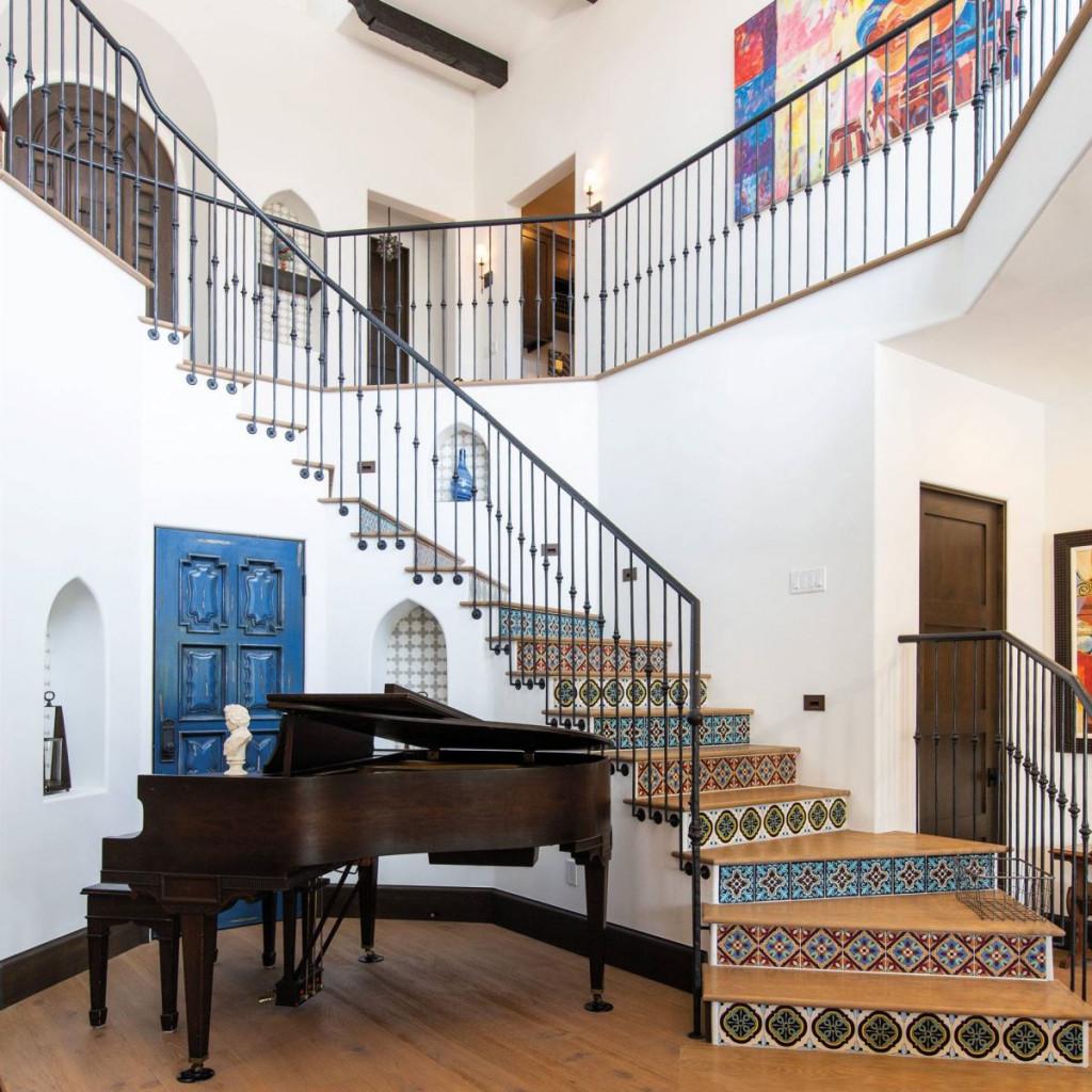 Gạch ốp cầu thang có thể tiết lộ phong cách của chủ nhân