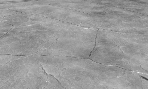 Sàn bê tông cần lưu ý giảm ẩm mùa này, nếu không sàn sẽ bị trồi rộp, nứt