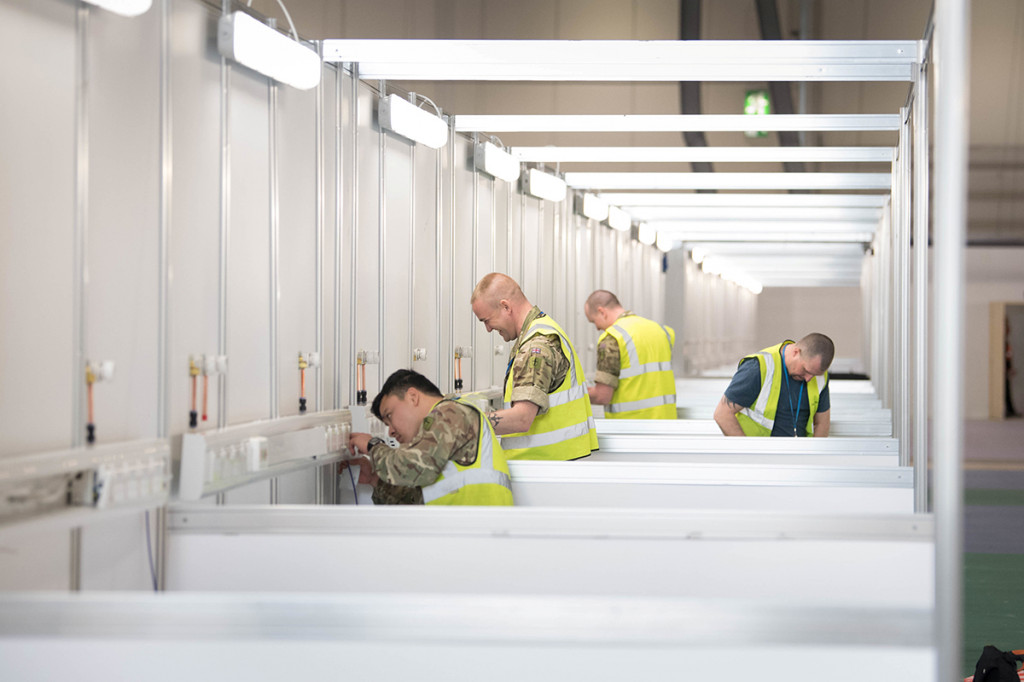 Đường dây điện trong trung tâm triển lãm cũng được điều chỉnh lại để đảm bảo khả năng cung cấp điện ổn định cho tối đa 4.000 giường bệnh.