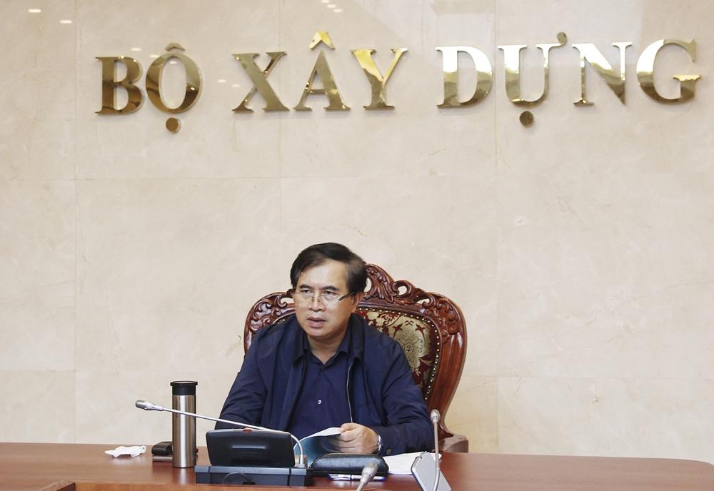 Thứ trưởng Bộ Xây dựng Lê Quang Hùng chỉ đạo các Cục, Vụ, Viện và các chuyên gia sớm hoàn thành phương án sơ bộ để trình Thủ tướng Chính phủ vào tuần sau