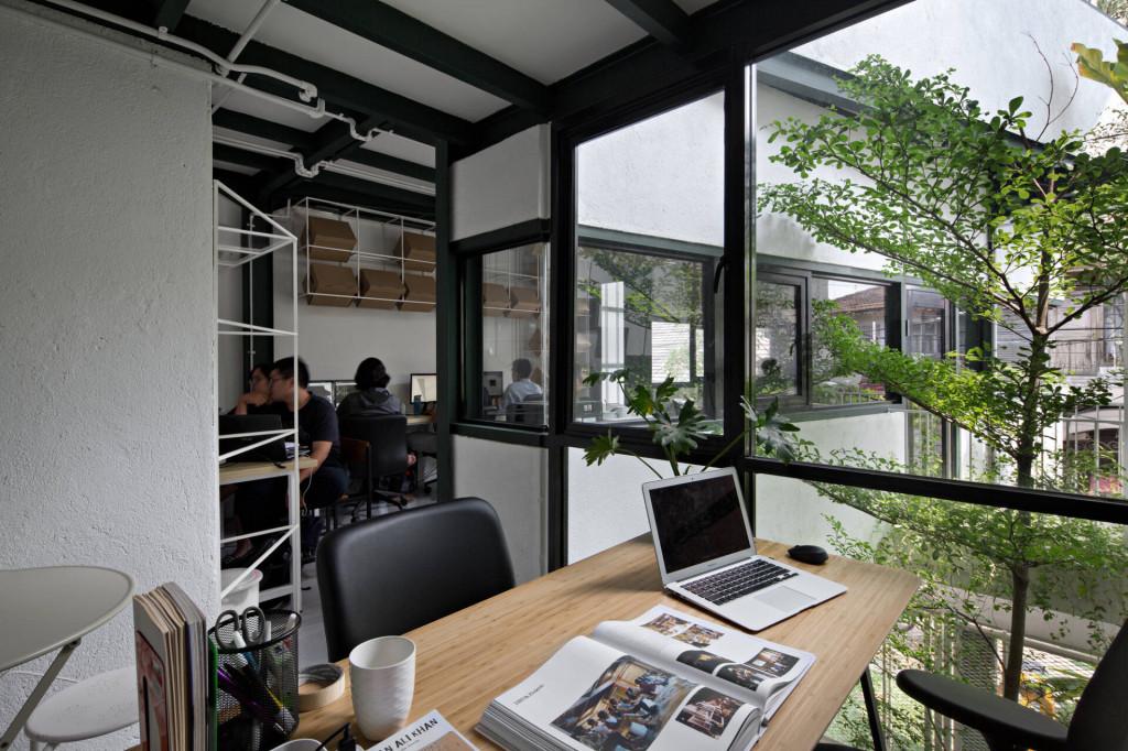 Văn phòng làm việc với không gian tươi mới, tràn đầy sức sống