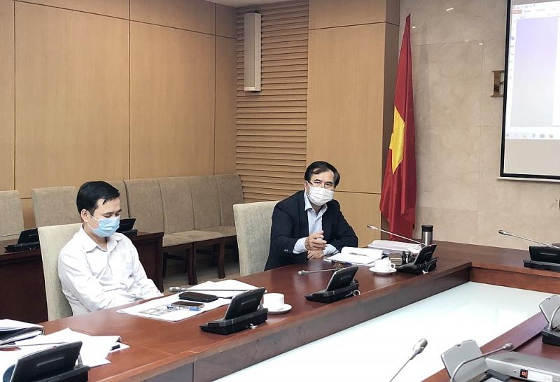 Thứ trưởng Bộ Xây dựng Lê Quang Hùng chủ trì cuộc họp nhằm triển khai chỉ đạo của Chính phủ về phương án xây dựng Bệnh viện dã chiến cho tình huống khẩn cấp dịch Covid-19