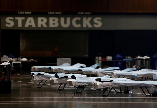 Trung tâm tổ chức sự kiện CenturyLink Field đã biến thành một bệnh viện dã chiến cho bệnh nhân không nhiễm virus corona ở Seattle, Washington (Mỹ)