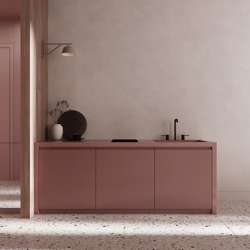 Tủ bếp được sơn theo màu sắc chủ đạo của ngôi nhà