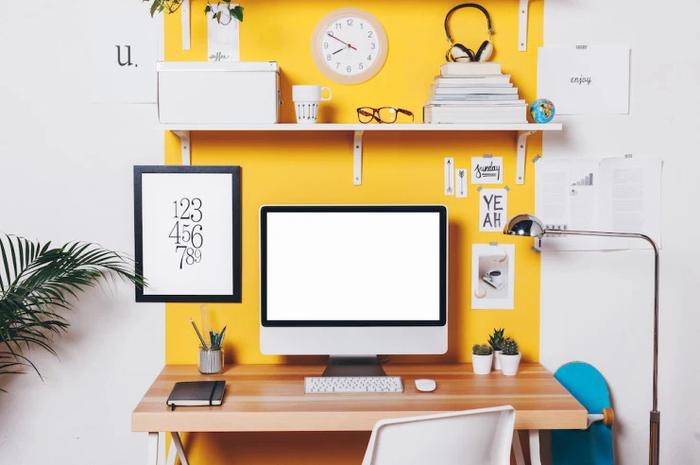 Gam màu trắng- vàng giúp cho góc làm việc của bạn trở nên tươi mới và đầy cảm hứng.