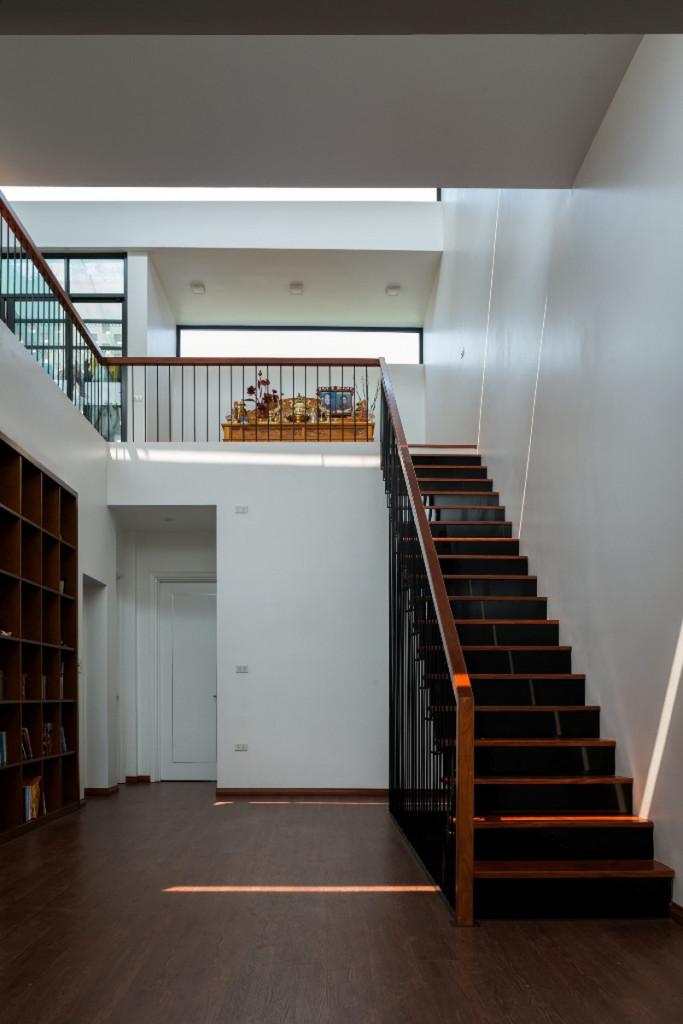 Đa số khoảng không gian của các tầng đều hứng được lượng ánh sáng của ruộng bậc thang ở mặt tiền