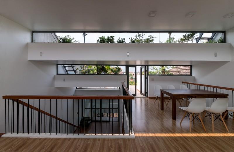 Với diện tích lên tới 110 m2, ngôi nhà có lợi thế tương đối rộng rãi do đó, việc bố trí các không gian sinh hoạt khá dễ dàng