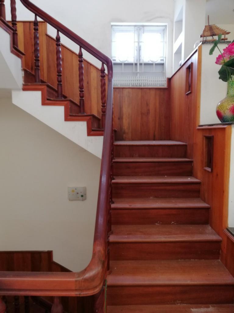 Tiêu chí lựa chọn gỗ làm cầu thang cần đảm bảo tính thẩm mỹ và công năng