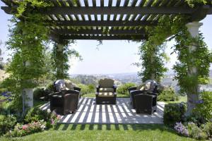 7 thiết kế mái che pergola làm điểm nhấn cho không gian sân vườn
